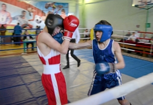 26 Финал. Момент боя с участием Алексея Шелякина (в синей форме)