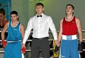 31 Финал. Рубик Шахбазян (слева) ожидает решения судей