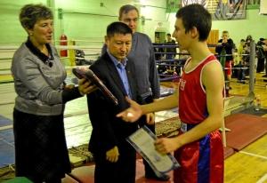 33 Награждение победителя соревнований - Александра Рьянова