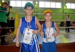 9 Победители соревнований в младшей возрастной группе - Заурбек Пугоев и Андрей Рыбников