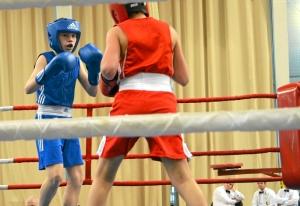 3 Момент боя с участием Антона Траутваина (в синей форме)