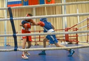 4 Момент боя с участием Антона Траутваина (в синей форме)