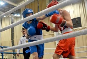 6 Момент боя с участием Ивана Балашова (в синей форме)