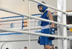 5 Иван Балашов во время отсчета нокдауна сопернику