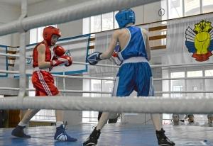 6 Полуфинал. Момент боя Ивана Балашова (в красной форме) (1)