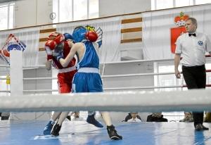 6 Полуфинал. Момент боя Ивана Балашова (в красной форме) (3)