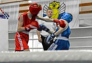 6 Полуфинал. Момент боя Ивана Балашова (в красной форме) (4)