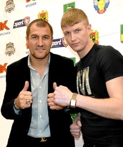 Сергей Гупалов (справа) и чемпион мира среди профессионалов Сергей Ковалев