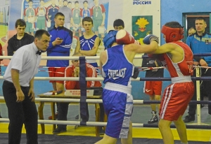 21 Финал. Момент боя Ивана Коломина (в синей форме)