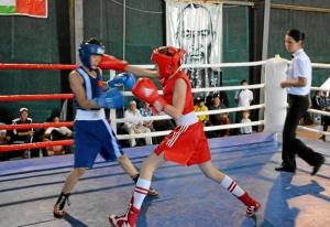 10 Полуфинал. Момент боя Александра Савкина (в красной форме)