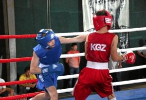 20 Финал. Момент боя Ивана Балашова (в синей форме)