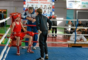12-final-v-uglu-ringa-aleksandr-savkin