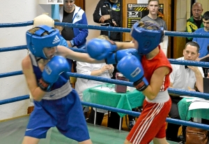 (5) На ринге Сергей Чепля (в синей форме)