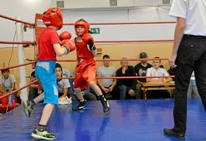 (5) На ринге Зелим Близнюк (справа)