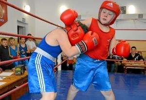 (7) На ринге Андрей Файзулин (слева)