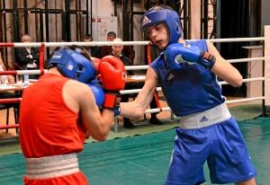 (1) 1-ый день. На ринге Иван Балашов (в синей форме)