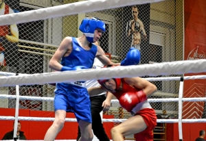 1 (6) На ринге Вячеслав Горбунов (в синей форме)