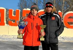 (12) После соревнований. Иван Балашов с кубками - победителя и лучшего боксера соревнований