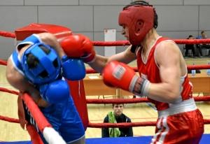 (5) Четвертьфинал. В ринге Дмитрий Красовский (в красной форме)