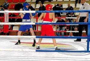 2 Момент полуфинального боя Вячеслава Горбунова (в синей форме)