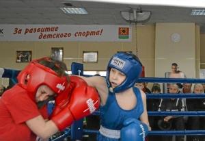 (3) Момент боя Кирилла Арнаутова (в синей форме)