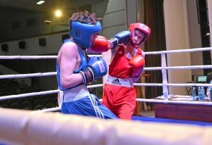 (1) Момент боя Даниила Радченко (в синей форме)
