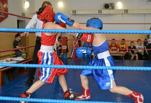 (3) Полуфинал. Момент боя Матвея Мулявина (в синей форме)