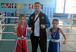 (2) После соревнований (слева направо) Матвей Мулявин, Артем Пичугин, Денис Ращук