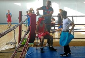 (6) В углу ринга Андрей Демшин