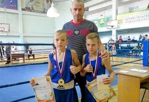 (9) Андрей Рыбников и Матвей Эрет после награждения