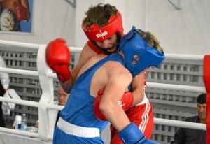 (11) Полуфинал. Момент боя Данила Жуланова (в красной форме)