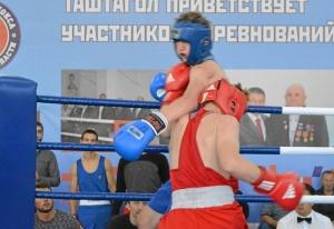 (15) Полуфинал. Момент боя Антона Гобова (в красной форме)