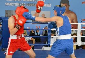 (35) Финал. Момент боя Вячеслава Горбунова (в синей форме)