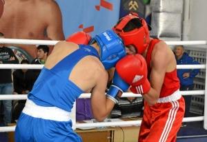 (7) Полуфинал. Момент боя Артема Алексеенко (в красной форме)