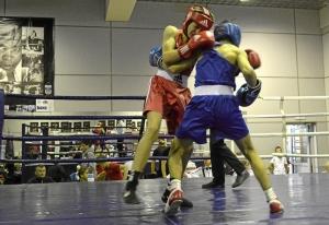 (8) Полуфинал. Момент боя Данила Радченко (в красной форме)