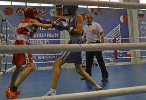 (20) Полуфинал. На ринге Александр Сова (в синей форме)