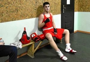 (28) Полуфинал. Иван Коломин готовится к выходу на ринг
