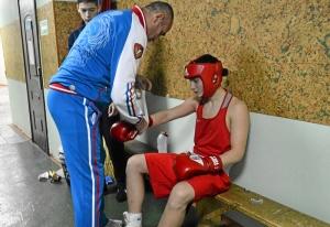 (29) Полуфинал. Иван Коломин готовится к выходу на ринг
