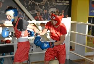 (35) Момент боя Артема Алексеенко (в красном шлеме) против Данила Радченко