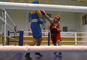 (35) Полуфинал. На ринге Александр Шульц (в красной форме)