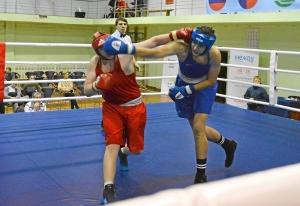 (37) Полуфинал. На ринге Александр Шульц (в красной форме)