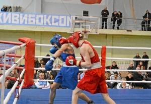 (46) Финал. Момент боя Вячеслава Горбунова (в красной форме)