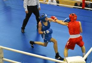 (6) На ринге Алексей Чужегов (в синей форме)