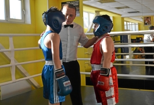 (7) Момент боя Сергея Скачкова (в синей форме) против Андрея Файзулина