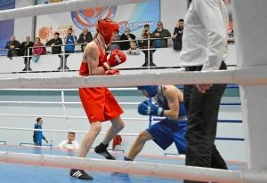 (3) Четвертьфинал. Момент боя Вячеслава Горбунова (в красной форме)