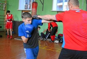 13 Алексей Чужегов готовится к бою