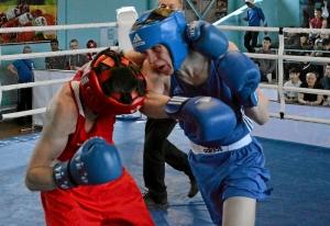 23 Полуфинал. На ринге Вячеслав Горбунов (в синей форме) (2)