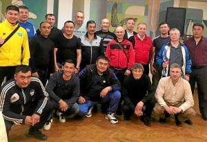 30 С тренерами Казахстана