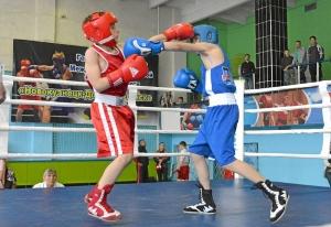 (6) На ринге Матвей Мулявин (в красной форме)