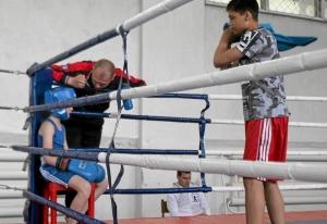 (3) В углу ринга. Секундирует Максим Гупалов